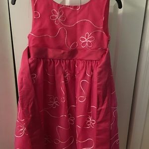 Girls pink dress!